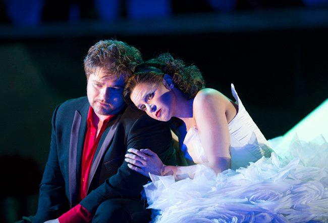 Rusalka, Glyndebourne, 2012, Peter Berger (Princ), Natasha Jouhl (Rusalka), foto: Tristram Kenton