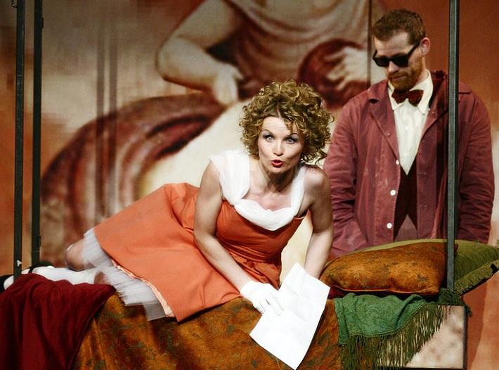 Barbier zo Sevilly, Opera SND Jana Kurucová (Rosina) foto: Anton Sládek
