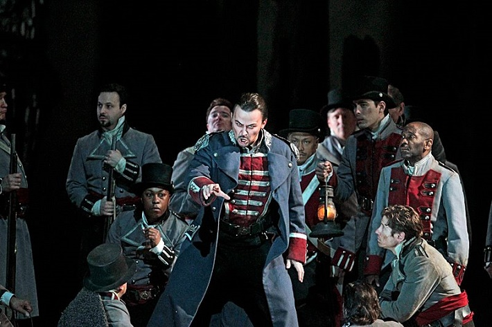 Trubadúr, Metropolitná opera New York, 2011, Štefan Kocán (Ferrando), foto: Ken Howard
