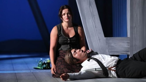 1. dejstvo Agnieszka Hauzer - Jenůfa, Yoonki Baek- Stewa, Theater Kiel foto: Olaf Struck