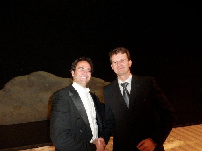 Leo Siberski, dirigent Theater Kiel Ehrhardt a Jozef Katrák po premiére foto: súkromný archív Jozefa Katráka