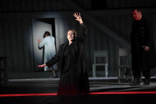 záver 2. dejstva Marina Fideli - Kostelnička, Theater Kiel foto: Olaf Struck