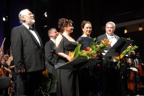 G. Verdi: Requiem Zámocké hry zvolenské 2013 Peter Mikuláš, A. Kohútková, T. Kružliaková. M. Dvorský