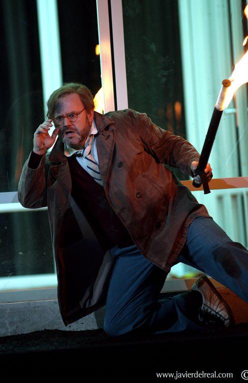 Ľudovít Ludha ako Zinovij v amsterdamskej produkcii Martina Kušeja