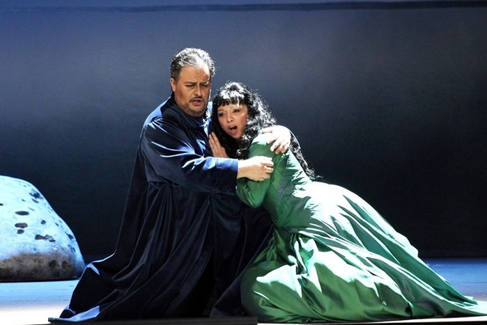 Luis Cansino (Simon Boccanegra) a Maria Kobielska (Amelia) Simon Boccanegra, Národné divadlo Praha foto: Hana Smejkalová