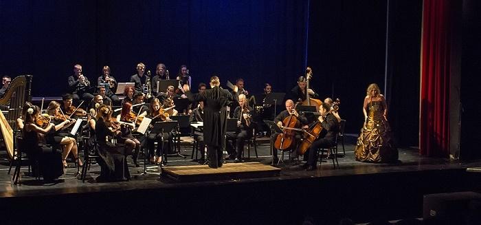 KOB Galakoncert 2014Jana Bernthová, soprán a Lukáš Kunst Lederer, dirigent