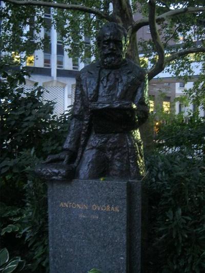 Antonín Dvořák, Stuyvesant Square New York Sochár Ivan Meštrović