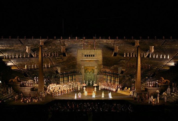 Aida, Arena di Verona réžia: Gianfranco de Bosio