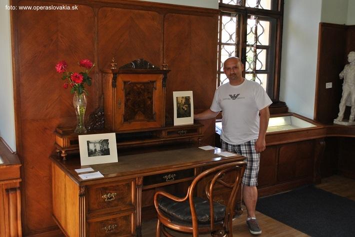 Písací stôl Antonína Dvořáka Múzeum Antonína Dvořáka v Prahe foto: Peter Kepič