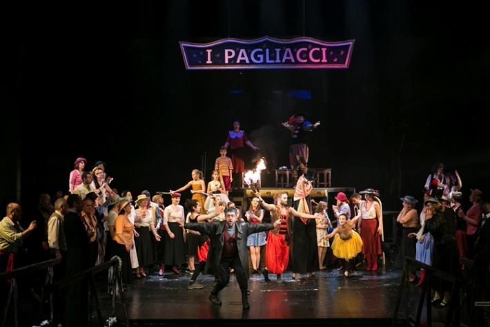 Komedianti, Opera ŠD Košice foto: Joseph Marčinský