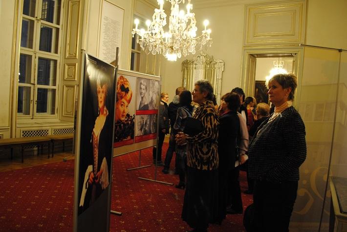 foto z výstavy venovanej Lucii Popp foto: Ľudovít Vongrej