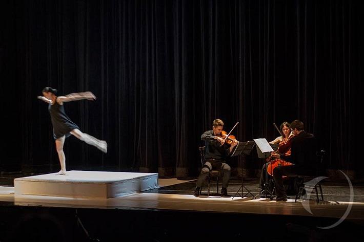 Sláčikové trio s tanečným performance Komorná opera Bratislava