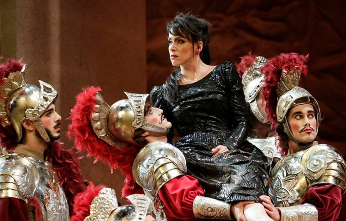 Gioacchino Rossini: Armida, Adriatic Arena Pesaro 2014 Carmen Romeu (Armida),  foto: Studio Amati Bacciardi