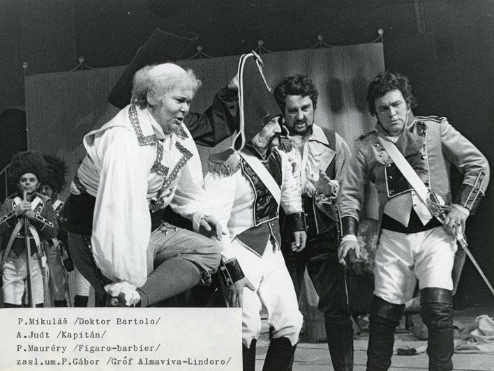G. Rossini: Barbier zo Sevilly, Opera SND, 1984, foto: Anton Sládek