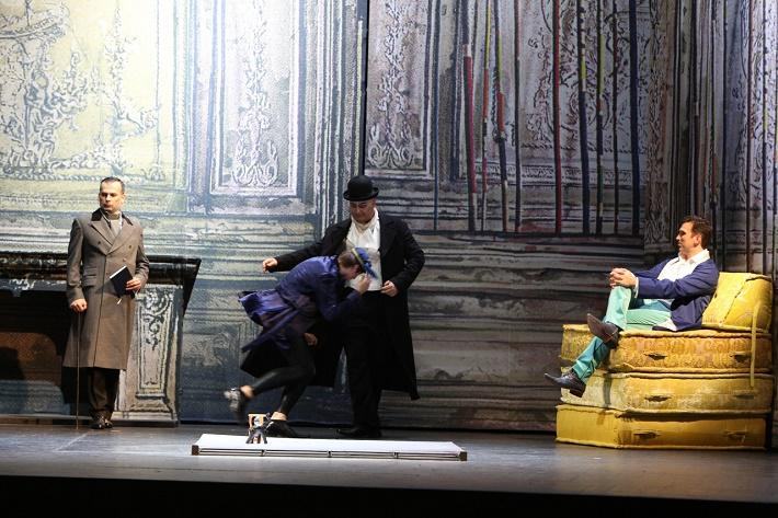 Dorian Gray, Opera SND, Aleš Jenis (Lord Henry), Martin Gyimesi (Alan Cambell), Eric Fennell (Dorian), foto: Jozef Barinka
