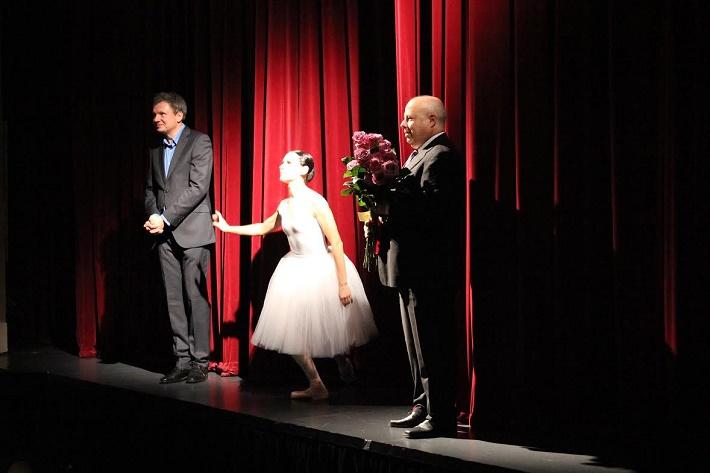 Jiří Nekvasil (riaditeľ NDM Ostrava), Olga Borisová -Pračiková, Aleš Zedník (Honorárny konzul Ruská federácie), po predstavení Labutieho jazera