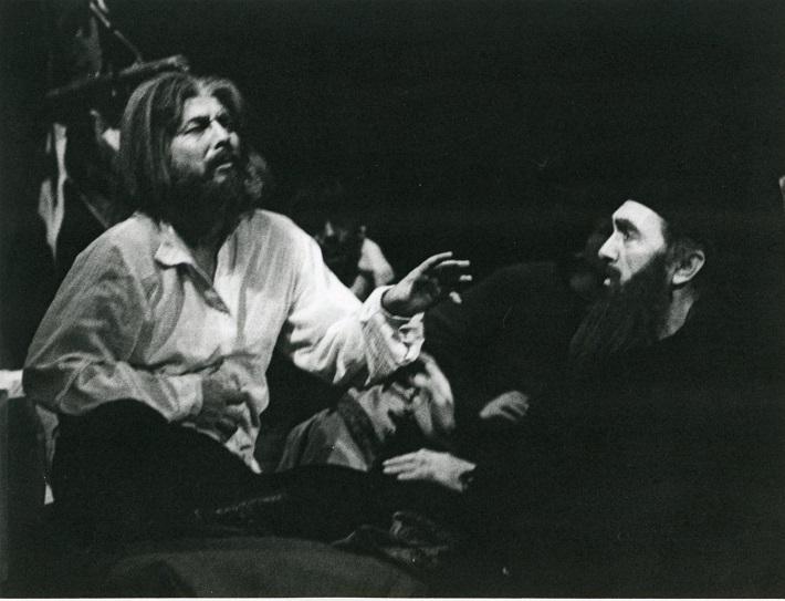 Katarína Izmajlovová, Opera SND, 1984, Sergej Kopčák (Boris Timofejevič Izmajlov) Stanislav Beňačka (Kňaz), foto: Anton Sládek