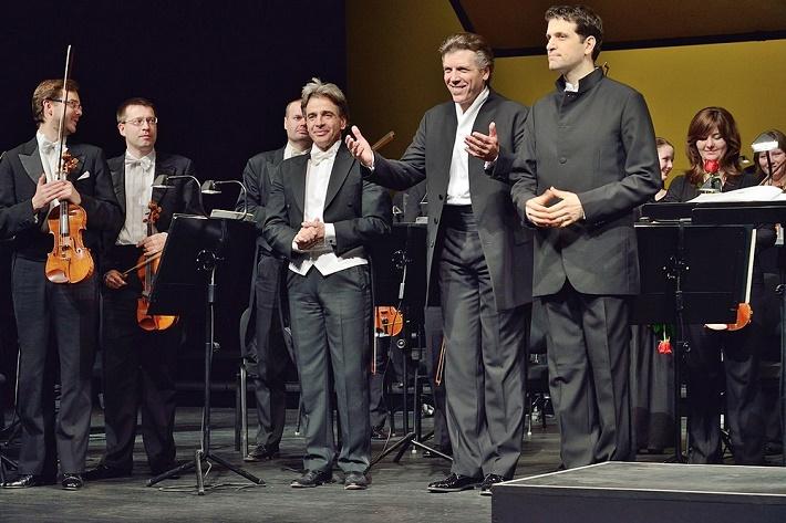Koncert Thomasa Hampsona a Lucu Pisaroniho v Bratislave