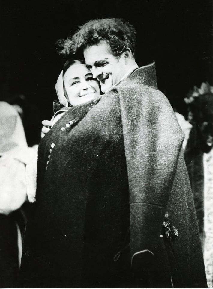 Krútňava, Opera SND, 1965, Margita Česányiová (Katrena), dr. Gustáv Papp (Ondrej) foto Jozef Vavro