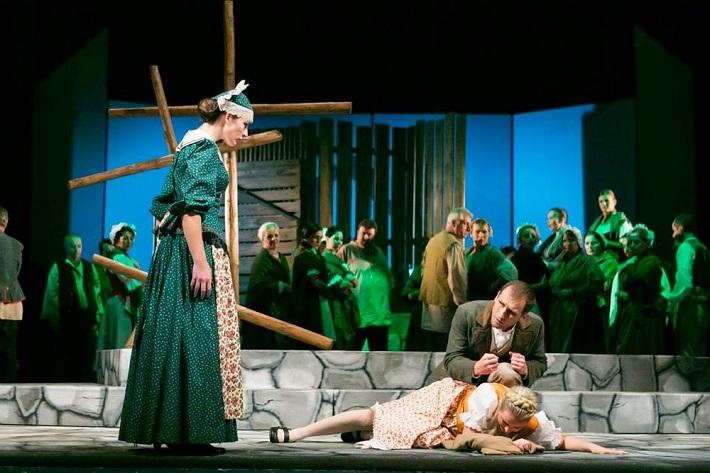 Námesačná, Opera ŠD Košice, 2013, foto: Joseph Marčinský