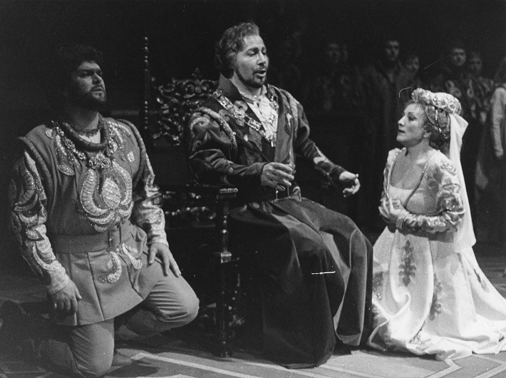 G. Verdi: Simon Boccanegra, Opera SND, 1985, Peter Dvorský (Gabriele Adorno), Ivan Konsulov (Simon Boccanegra), Magdaléna Blahušiaková (Amelia Grimaldiová), foto: Anton Sládek