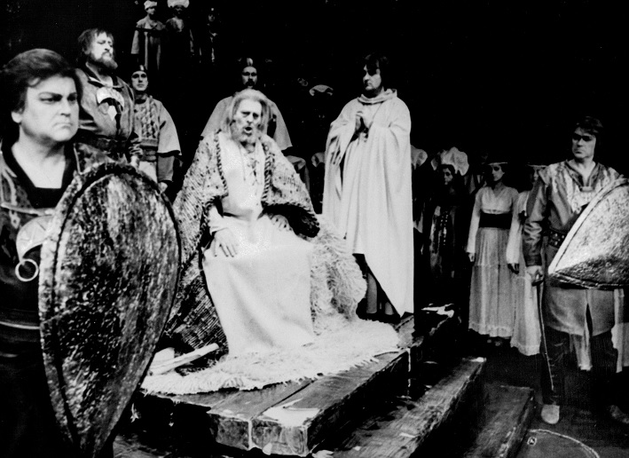 E. Suchoň: Svätopluk, Opera SND , 1984, F. Livora (Svätopluk ml.), J. Marvoň (Dragomir), O. Malachovský (Svätopluk), Peter Osvald (Predslav), František Caban (Mojmír), foto: Archív SND