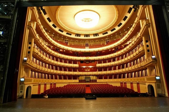 ce94ed088 Vyskúšajte dnes sledovať priamy prenos z Viedenskej štátnej opery ...