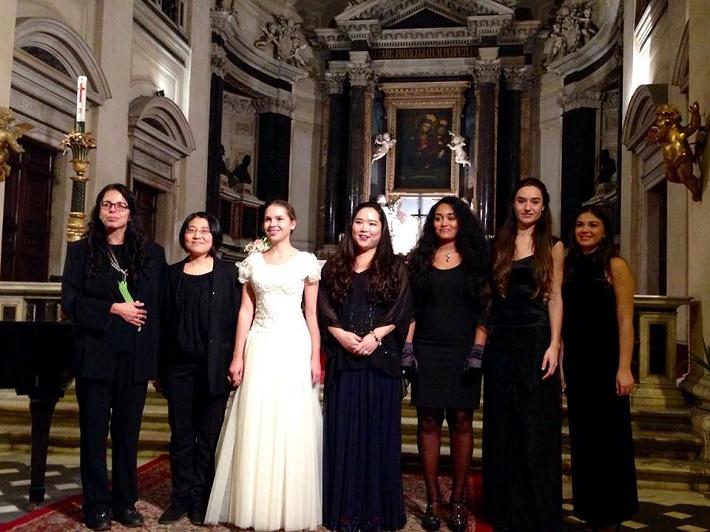 Concorso Musica Sacra 2014 Roma - Patricia Janečková a finalistky, foto: Concorso Musica Sacra