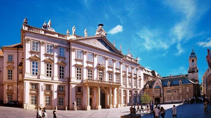 Primaciálny palác v Bratislave
