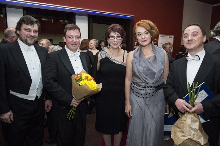 Janáček Brno 2014 fotografia po záverečnom koncerte, G. Beláček, J. Kyzlink, E. Blahová, M. Kožená, M. Lehotský, foto: Janáček Brno