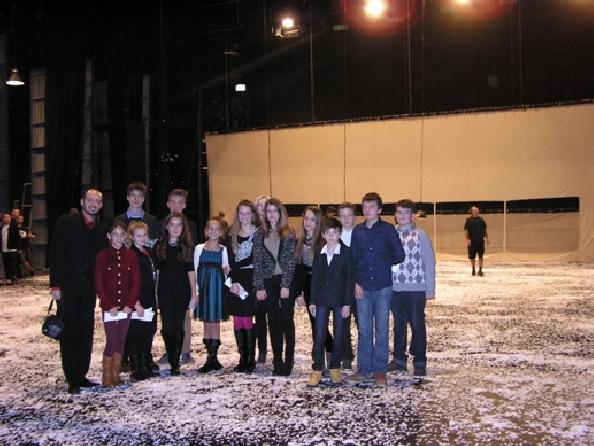 Prekvapenie pre členov krúžku v podobe návštevy zákulisia Opery SND počas prestávky predstavenie Bohémy. (r.2014)