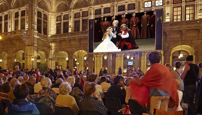 "Projekt ,,Oper Live am Platz"" vo Viedni"