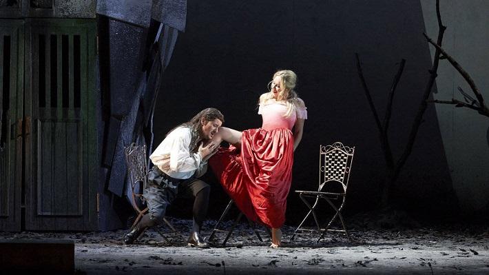 Rigoletto, Viedenská štátna opera, 2014, Piotr Beczała (Vojvoda), Erin Morley (Gilda), foto: Michael Pöhn