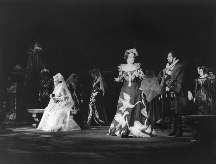 Don Carlos, Opera SND, (19.10.1982), Jelena Obrazcovová (Eboli) foto: Kamil Vyskočil archív SND