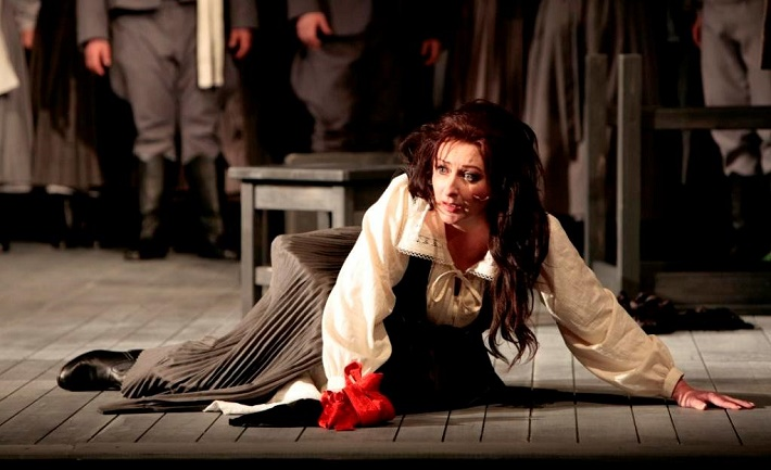 Jenůfa, Opera SND, Adriana Kohútková ( Jenůfa), foto: Jozef Barinka