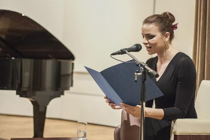Petra Vajdova (hovorené slovo), foto: A. Trizuljak