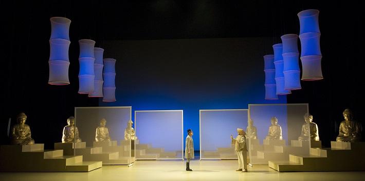 Zem úsmevov, Opera SND, Róbert Remeselník (Gróf Gustav von Pottenstein), Ivan Ožvát (Vrchný eunuch) foto: Martin Geišberg