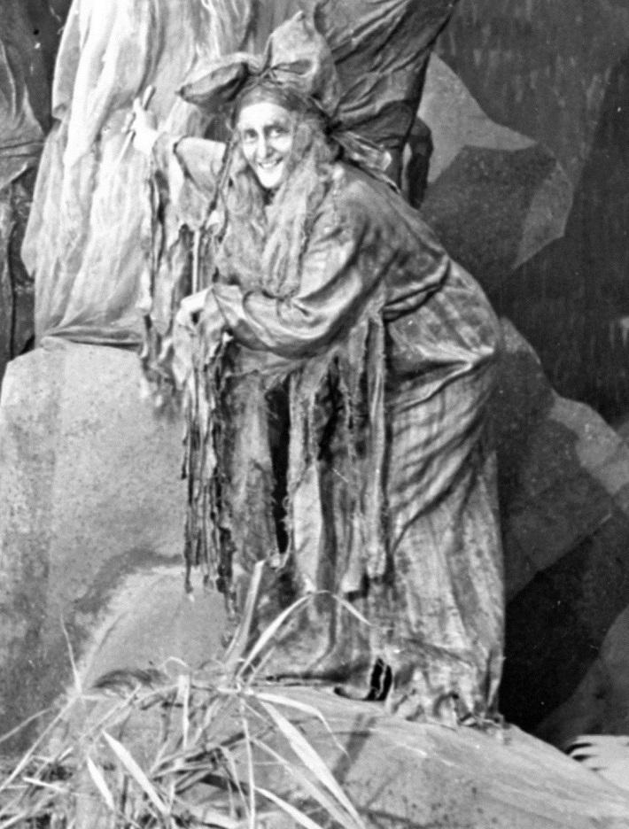 Mária Peršlová (Ježibaba), Rusalka, Opera SND, 1941, foto: STK