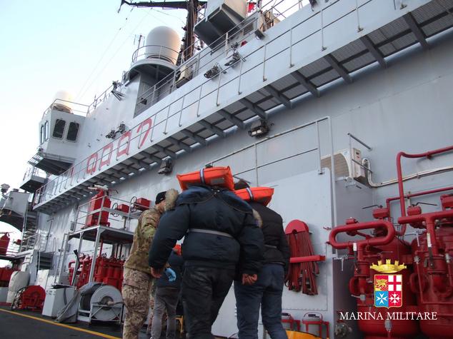 Záchranárske práce na trajekte Norman Atlantic, foto: Italian Navy, ho