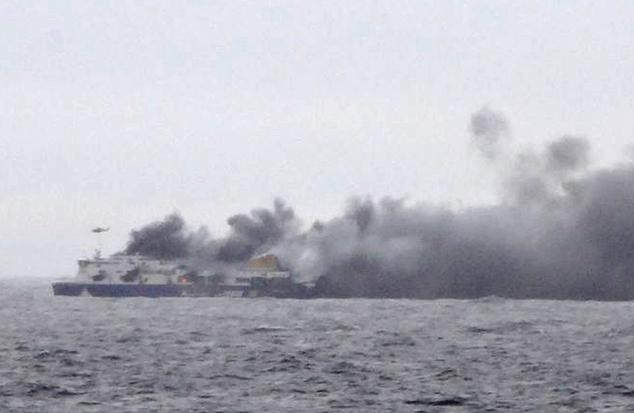 Horiaci trajekt Norman Atlantic, foto: Italian Coast Guard