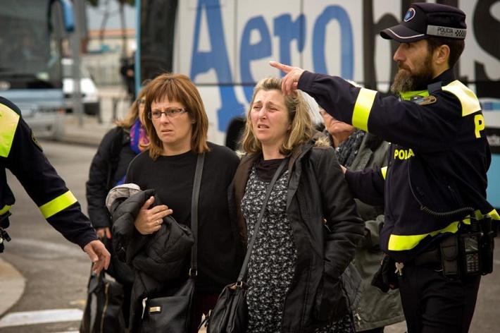 Príbuzní cestujúcich na letisku v Barcelone, foto: Jordi Boixareu