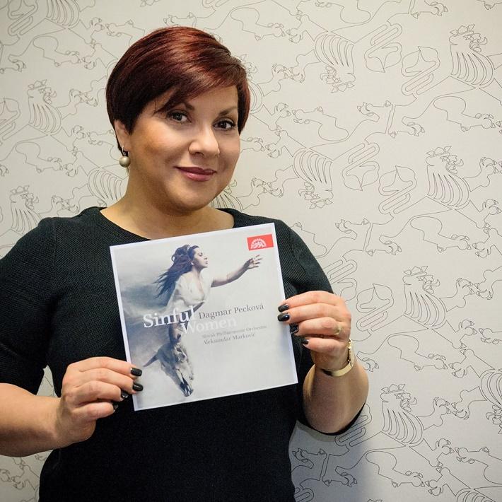 Dagmar Pecková a jej album ,,Sinful Women  (Hriešnice), foto: www.dagmarpeckova.com