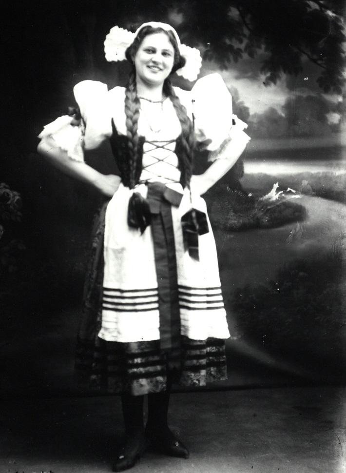 Dobřena Šimáňová, B. Smetana: Predaná nevesta (Mařenka), foto: Archív Divadelného ústavu