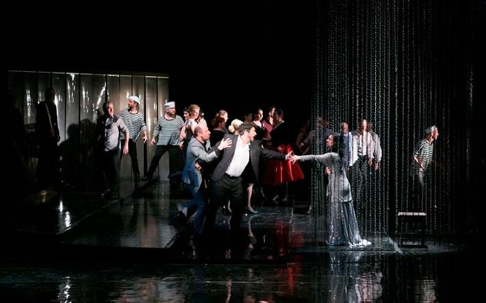 Manon Lescaut, Opera ŠD Košice, M. Lukáč (Lescaut), B. László (Renato des Grieux), J. Zsigová (Manon), foto: Joseph Marčinský