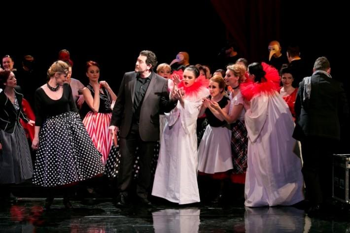 Manon Lescaut, Opera ŠD Košice, Marco de Carolis (Renato des Grieux), foto: Joseph Marčinský