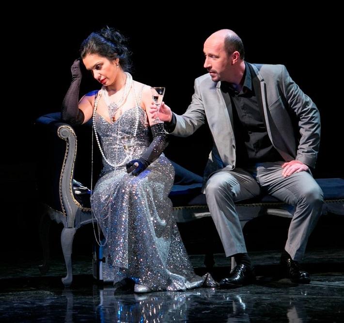 Manon Lescaut, Opera ŠD Košice, J. Zsigová (Manon), M. Lukáč (Lescaut), foto: Joseph Marčinský