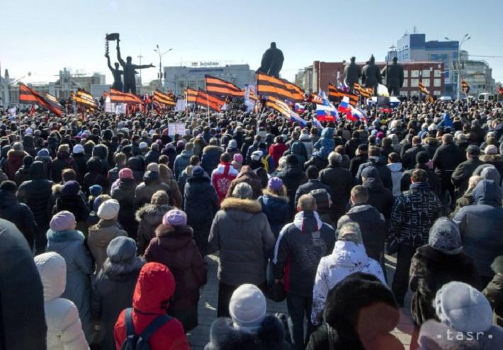 Niekoľko tisíc ľudí protestuje v ruskom Novosibirsku 29. marca 2015, Foto: TASR/AP