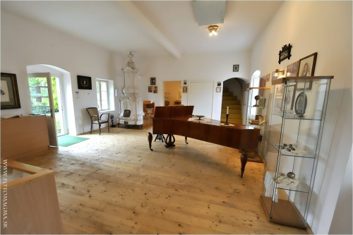 Pamätná izba F. Schuberta v Želiezovciach