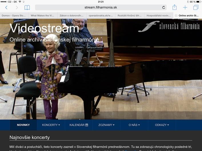 Stránka streamu zobrazená na tablete, screenshot: Natália Dadíková