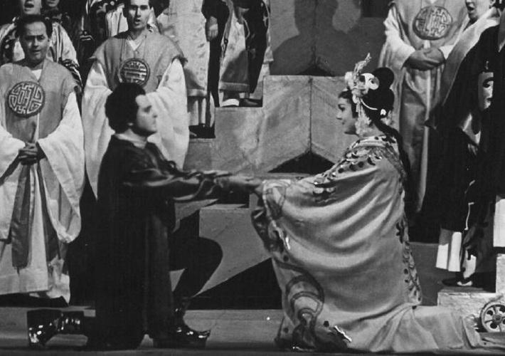 Turandot, Opera SND, 1965, Imrich Jakubek  (Kalaf), Hana Svobodová (Turandot), foto: Jozef Vavro, (archív DÚ)